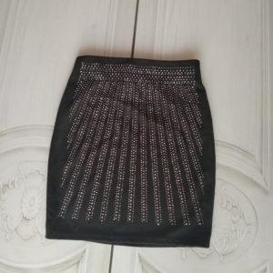 falda-tachuelas